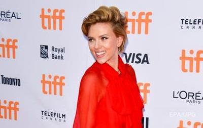 Скарлетт Йоханссон заняла первую строчку врейтинге самых кассовых актеров года