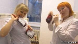 Пермские медсестры позировали на фоне тяжелобольных