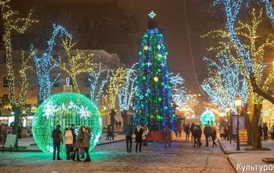 Специалисты назвали город вгосударстве Украина, где установили самую высокую елку