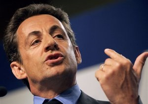 Саркози призвал Европу ввести санкции против Ливии