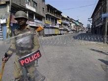 В Кашмире введен комендантский час