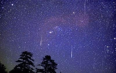 Земляне смогут наблюдать пик метеоритного дождя