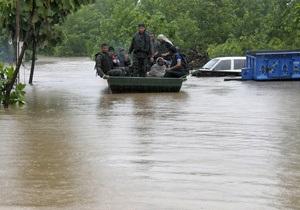 На Индию обрушилось наводнение. Власти эвакуируют жителей Нью-Дели