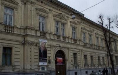 Из Львовской галереи исчезли старинные книги на десятки миллионов