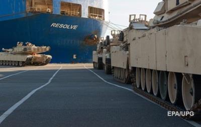 В Германию прибыли сотни танков из США