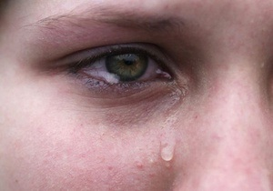 Половину россиян на работе доводили до слез
