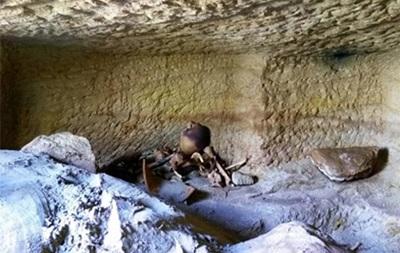 В Египте обнаружили 12 захоронений времен Нефертити