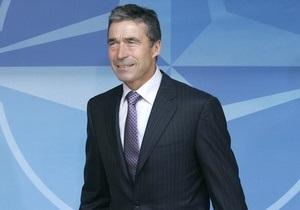 Саакашвили пригласил генсека НАТО в Грузию. Расмуссен согласился