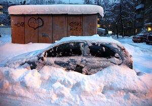 Янукович уволил трех глав районов в Киеве за плохую уборку снега