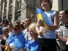 Кабмин: К 2011 году вступление в НАТО поддержит большинство украинцев