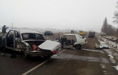 Военнослужащий устроил лобовое столкновение авто натрассе Киев-Одесса, трое погибших