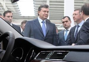 Ради безопасности Януковича вокруг мэрии Киева установили забор