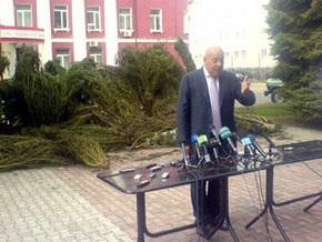 Москаль показал журналистам голландскую марихуану, выращенную в Крыму