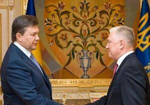 Янукович обрушился с критикой на главу Минздрава