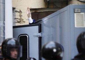 Суд в четырнадцатый раз оставил Тимошенко под стражей