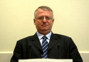 Лидер сербских радикалов получил полтора года тюрьмы за неуважение к суду