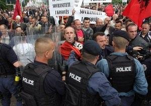 В Косово сербы и албанцы забросали друг друга камнями