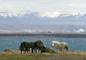 В Исландии четыре американца оказались на отколовшемся айсберге