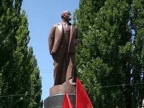 В Житомирской области подожгли памятник Ленину