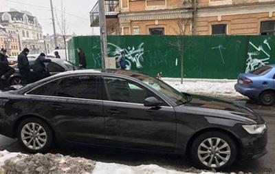 Укиевлянина вбагажнике автомобиля обнаружили «коллекционный» автомат Калашникова