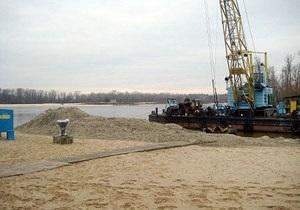 Киевские пляжи и зоны отдыха возле воды готовят к зиме
