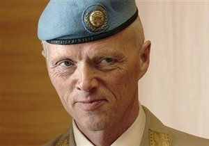 Глава миссии наблюдателей ООН прибыл в Сирию