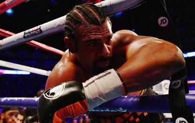 Беллью нокаутував Хея, відправивши його за межі рингу