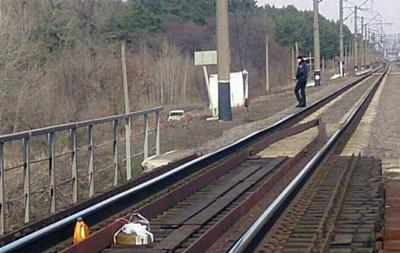 НаХарьковщине практически на5:00 остановили движение поездов через муляж мины