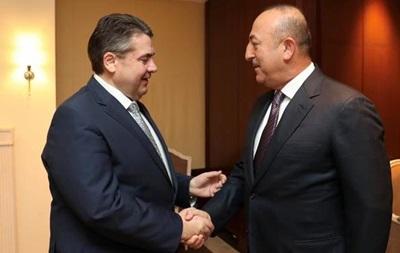 Берлин не видит альтернативы диалогу с Анкарой