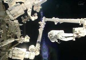 Астронавт приостановил выход в космос из-за страха  утонуть