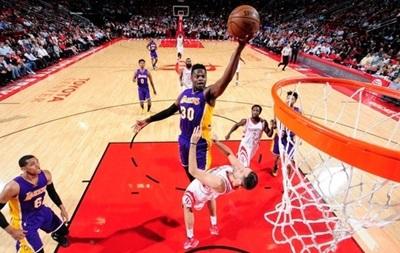 НБА: Хьюстон уничтожил Лейкерс, Сан-Антонио уступил Портленду