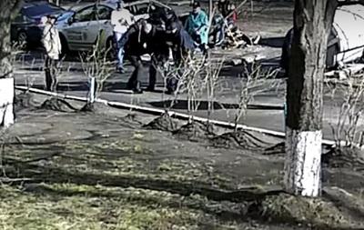 ВКиеве полицейские избили мужчину, который ихвызвал