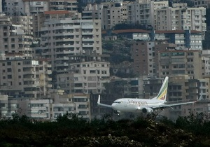 Эфиопский самолет экстренно сел в Бейруте из-за плохо закрытой двери