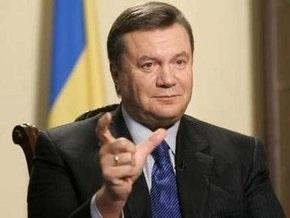 Янукович о коалиции: Кучка людей кишку себе набивает. Забыли о Боге
