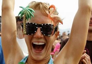 Британские ученые: Счастливые люди больше читают, а несчастные - смотрят телевизор