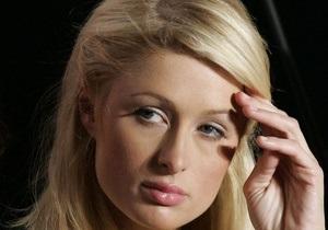 Пэрис Хилтон скорбит о смерти Кейси Джонсон