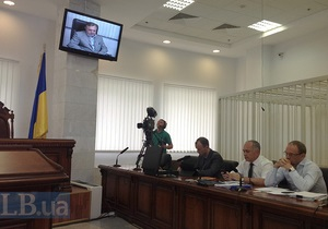 Кириченко отказался отвечать на вопросы защиты Тимошенко. В допросе объявлен перерыв