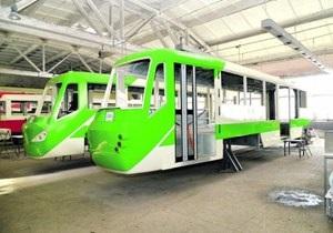 новости Киева - трамвай Каштан - трамвай - транспорт - Власти Киева обещают запуск трехсекционного трамвая через месяц