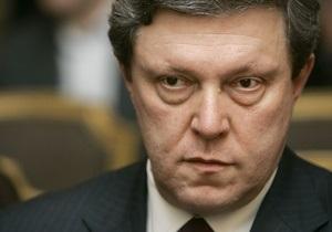 Явлинский призвал несогласных с результатами выборов депутатов сложить мандаты. КПРФ и эсэры против