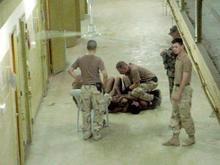 Узники тюрьмы Абу-Граиб подали в суд на военных США по обвинению в пытках