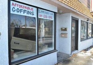 В США магазин гробов устроил распродажу в честь Хэллоуина