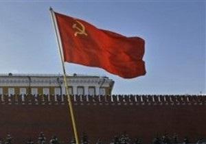 В Крыму ежегодно ко Дню Победы будут вывешивать советские флаги