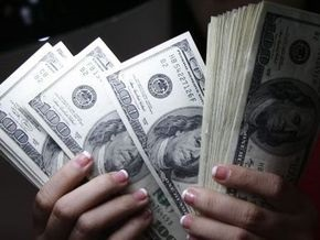 Минфин РФ развеял слухи о замене доллара в расчетах за нефть
