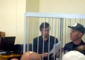 Луценко накричал на прокуроров. Судьи удалились в совещательную комнату