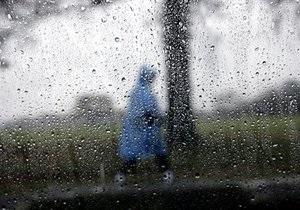В Крыму прогнозируют шторм, на востоке страны - ураган