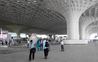 Вряде индийских аэропортов объявлена тревога всвязи сугрозой угона самолета