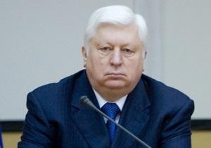 Пшонка напомнил Тимошенко, что она обязана до 25 июня прочесть еще одно уголовное дело