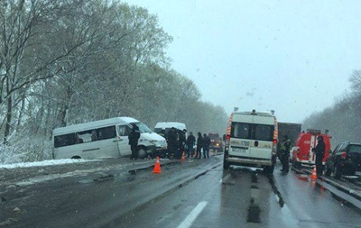 ДТП на Харківщині з мікроавтобусом: четверо загиблих