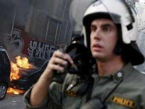В Афинах неизвестные подожгли автосалон