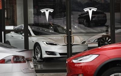 Tesla отзывает 53 тысячи машин из-за проблем с тормозом